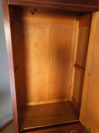 Closet threaded nut
