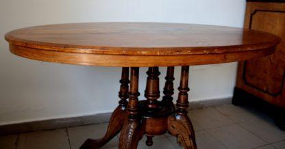 Table ovale en noyer et chêne massif, plateau incrusté, huit cents, en excellent état