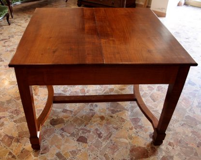 Table en cerisier massif extensible et solide, 1920, Italie du Sud